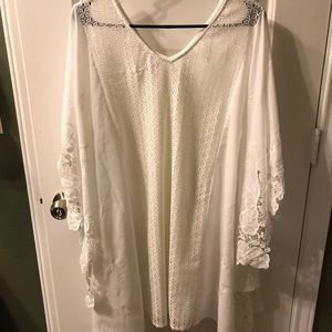 Gorgeous white swim suite cover up